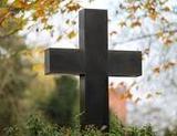 Kreuz auf einem Friedhof